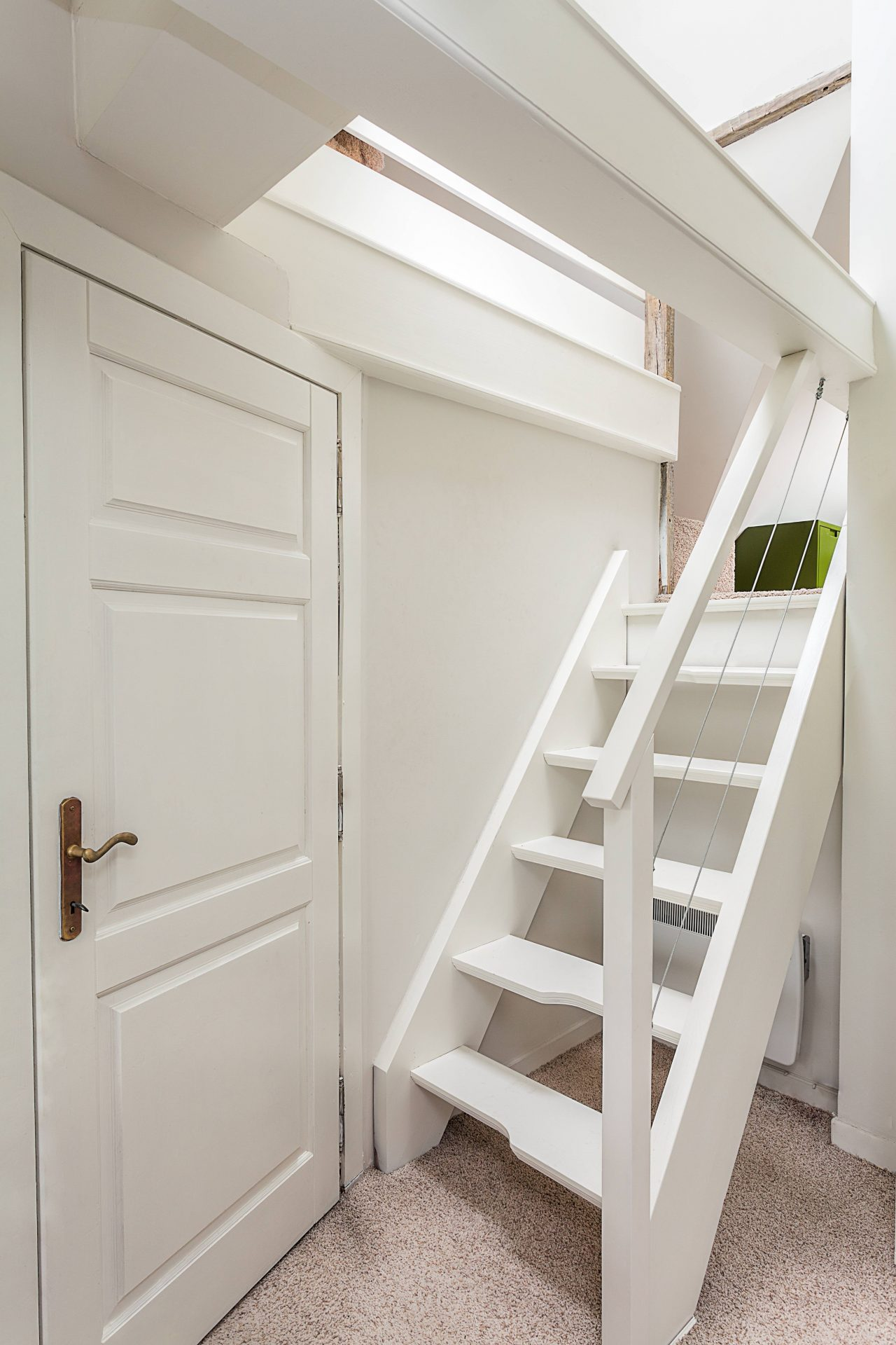 Petit escalier à pas japonais.
