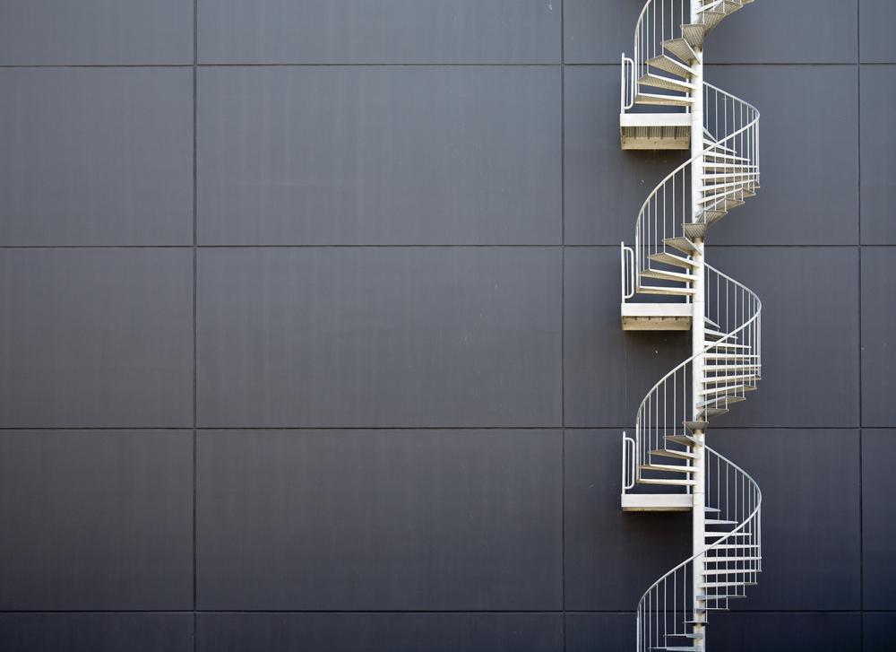 Escaliers extérieurs en aluminium.